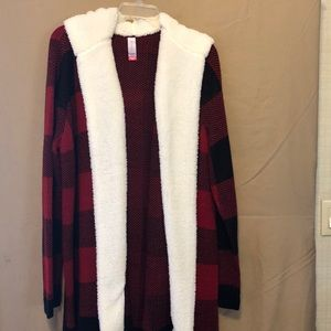 Sweaters - Sweater type jacket perfect for any type of errand